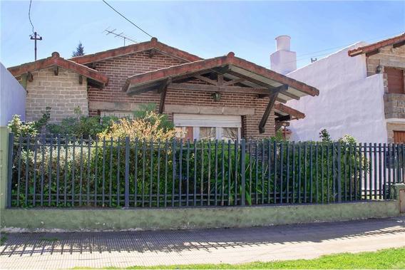 Casa 3 Ambientes, Quincho, Pileta, Cochera.miramar