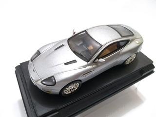 Aston Martin Vanquish 1/43 Senna