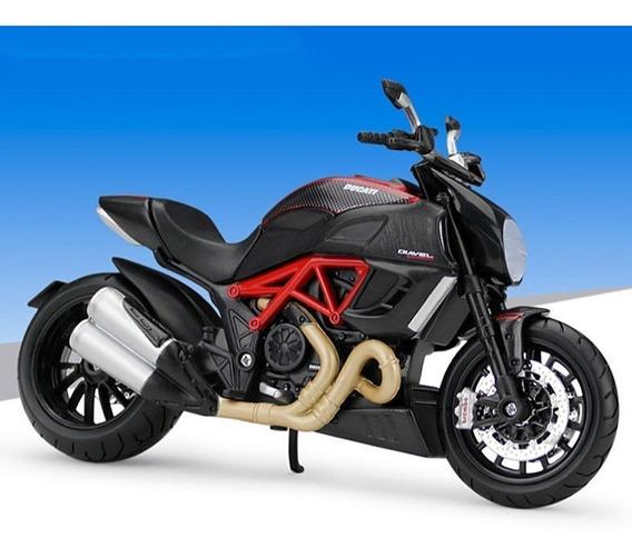 Ducati Diavel Carbon - Roja Y Negra - Moto Maisto 1/12