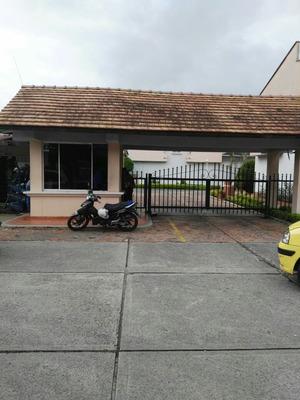 Se Arrienda O Se Vende Casa En Pinares