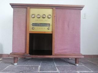 Consola Tocadiscos Radio Antiguo De Bulbos Funcionando
