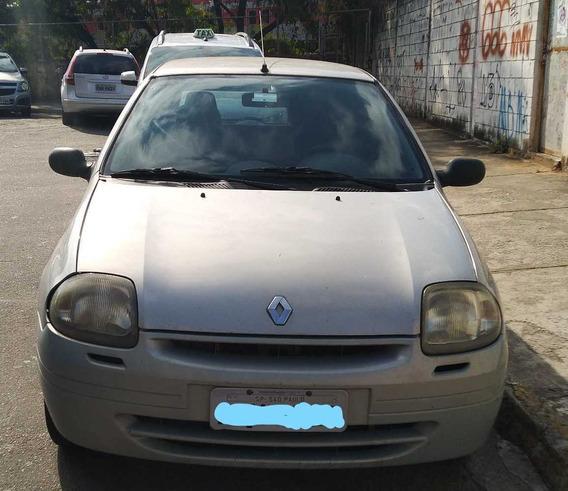 Renault Clio Hatch. Rn 1.0 8v 2001