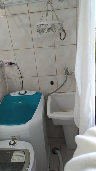 Casa( 1 Quarto, 1 Banheiro, Sala, Cozinha E Lavanderia).