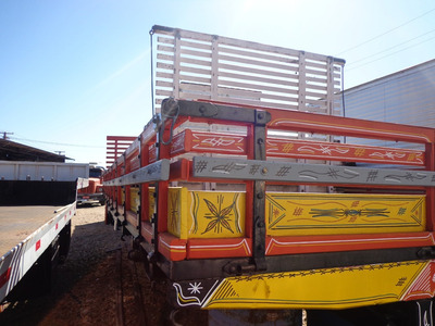Carroçaria Aberta De Madeira 6,80mts Vermelha
