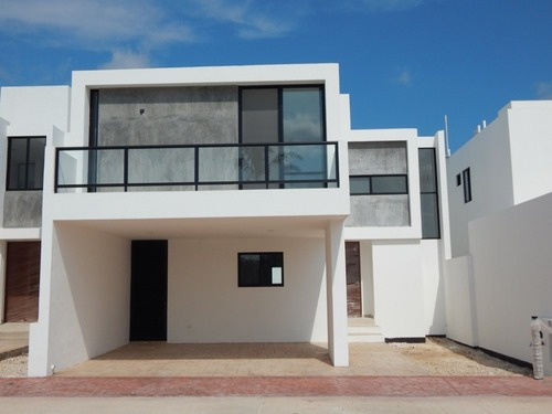 Casa En Venta En Mérida, Privada Fontana. Cv-5729