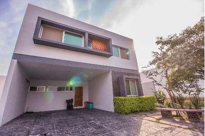 Casa En Renta En Fraccionamiento Los Olivos, Zapopan