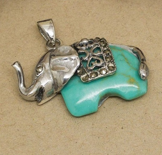 Dije Elefante Con Piedra Verde - Plata 925 - 25mm