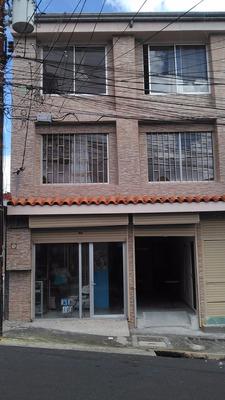 Se Vende Edificio De Tres Pisos Por La Universidad Nacional