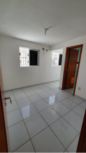 Imagem 1 de 9 de Apartamento Para Venda - 009876