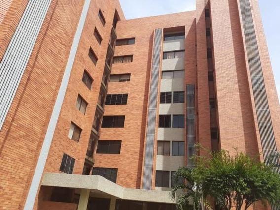 Apartamento En Alquiler En Valle Frío Mls #20-10232