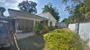 Casa En Venta Guaparo Valencia Carabobo 20-10621 Rahv