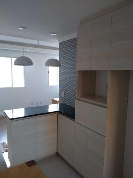 Apartamento 2 Dormitórios Decorado Com Móveis Planejados