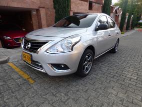 Vendo Hermoso Nissan Versa 2017