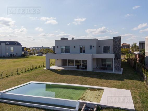 Casa En Venta - Lagos Del Golf, Nordelta - Excelente Vista Al Lago