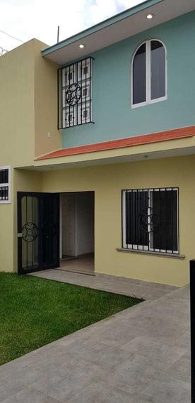 Bonita Casa Para Familia Grande.