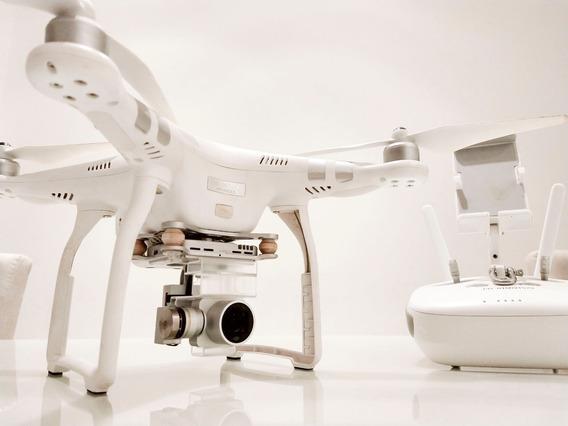 Drone Dji Phanton 3 Advanced (bateria Com 37 Ciclos)