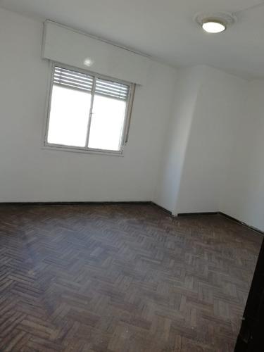 Imagen 1 de 10 de Alquilo Apartamento En Carreras Nacionales Y Saint Rosas