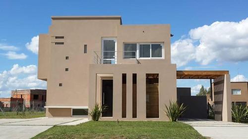 Imagen 1 de 9 de Casa En Venta En El Cantón