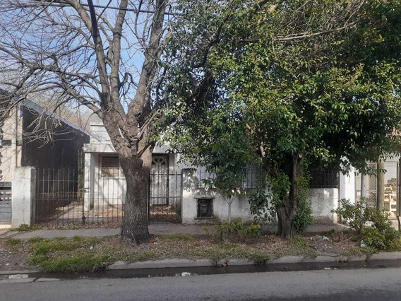 Vendo Casa En Ezeiza, Bsas. Excelente Ubicación -