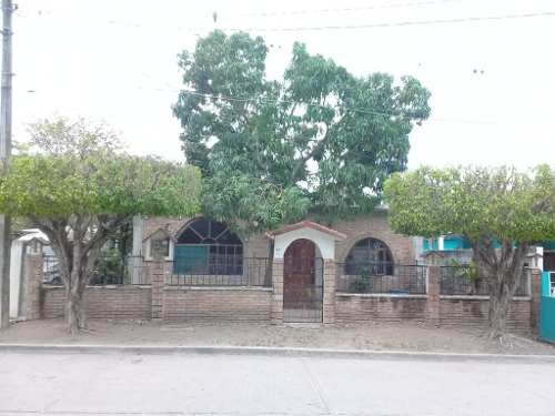 Casa Tradicional De 1 Nivel En Venta, Col. Américas, Ébano, San Luis Potosí.