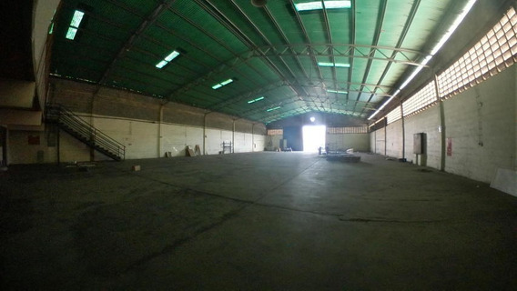 Galpones En Venta En Zona Oeste De Barquisimeto 20-924 Jg