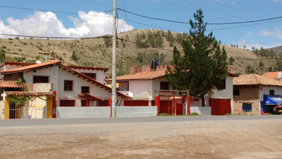 Casa De Campo En Carretera Central Margen Derecha 1000 Mt2