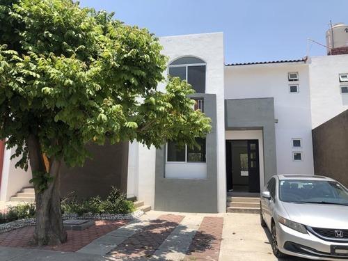 Casa Sola En Renta Fracc Mision La Esperanza