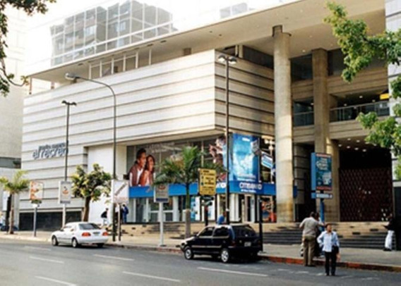 Espectacular Local Comercial En Venta En C. C. El Recreo