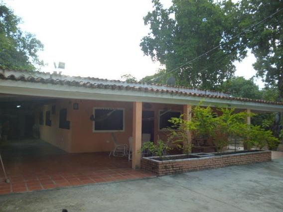 Casa Granja En Venta En Cabudare #20-3575