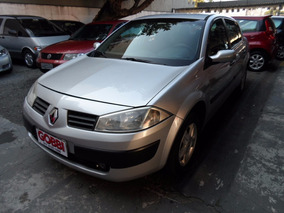 Renault / Megane Sedan Expression 1.6 16v 2010 Prata