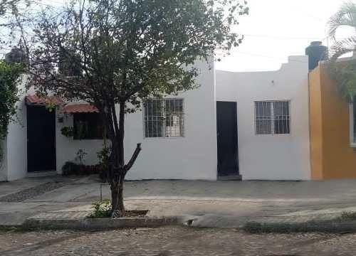 Casa En Renta En Colonia La Joya, Villa De Álvarez