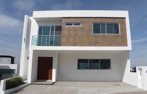 Oportunidad Residencia Nueva En Punta Esmeralda