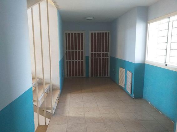 Apartamento Semi Amoblado En Venta Cod 20-9723 Sh