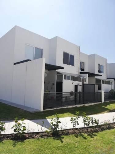 Hermosa Casa En Paseos Del Bosque, Modelo Oyamel, 3 Recamaras, Equipada, Esquina