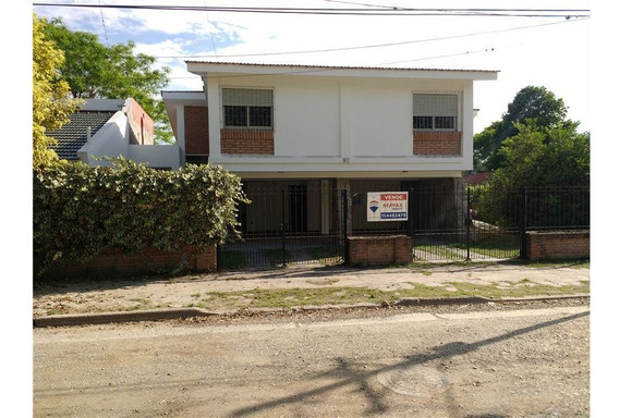 Re/max Noa Ii Vende Casa C/cochera Para 2 Autos