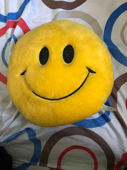 Pelúcia Smile Semi-nova