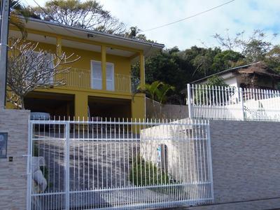 Casa Para Alugar No Bairro Córrego Grande. - C02816