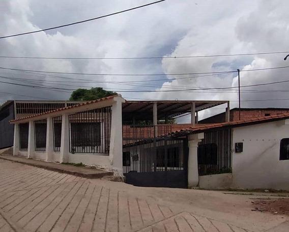 Casa En Caneyes Sector Los Olivo