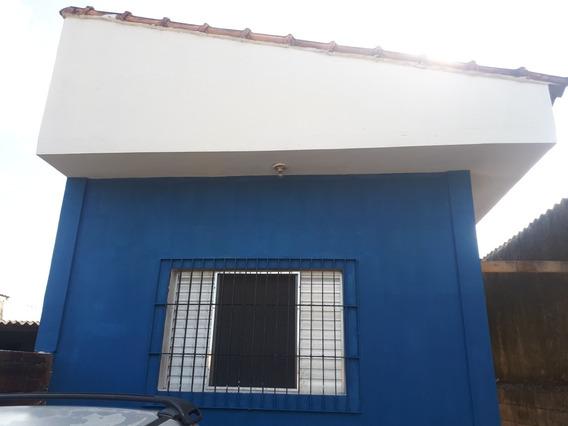 Casa Com 3 Cômodos De Laje