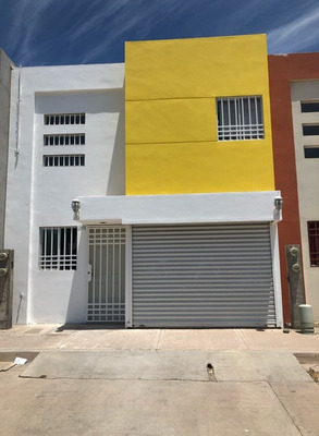 Vendo Casa Con Local Comercial Y Bodega En Valle Alto 2da. S