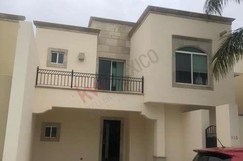 Casa En Renta, Residencial Senderos, Villa Alta, Torreón, Coahuila