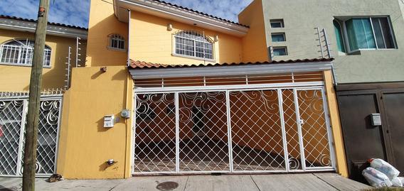 Casa Cerca A Avenida Patria Y Mariano Otero