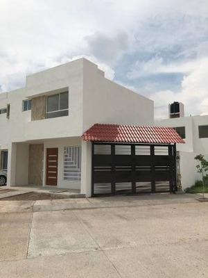 Casa En Orquidea, Frente A Zona Industrial