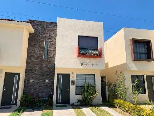Casa Seminueva Ubicada En Coto Victoria, El Campestre, Zap