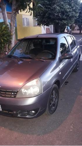 Renault Clio Sedan 2005 1.6 16v Authentique Hi-flex 4p