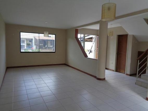 Casa En Venta En La Mora 20-1495 As