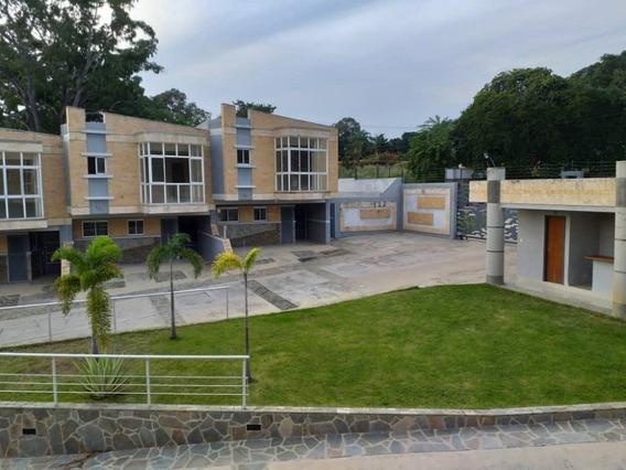 Townhouse En Venta Lomas De Guataparo Valencia Carabobo