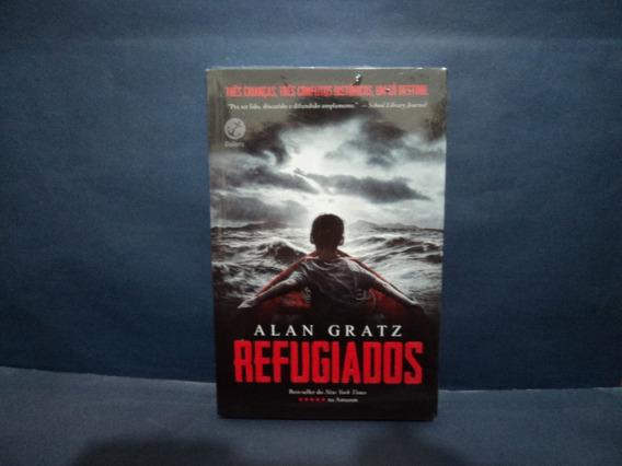 Livro: Refugiados ( Alan Gratz )
