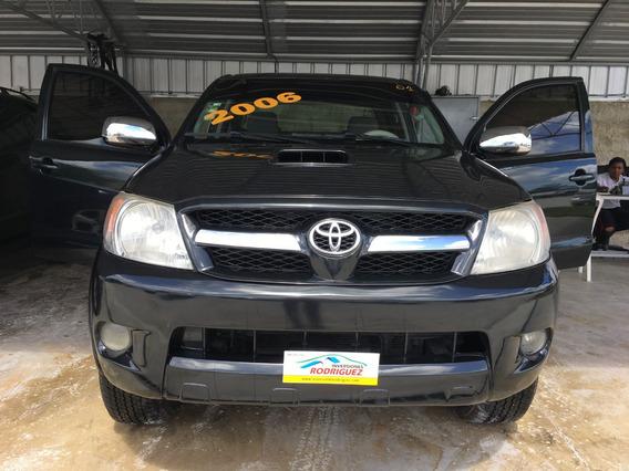 Toyota Hilux Negra 2006