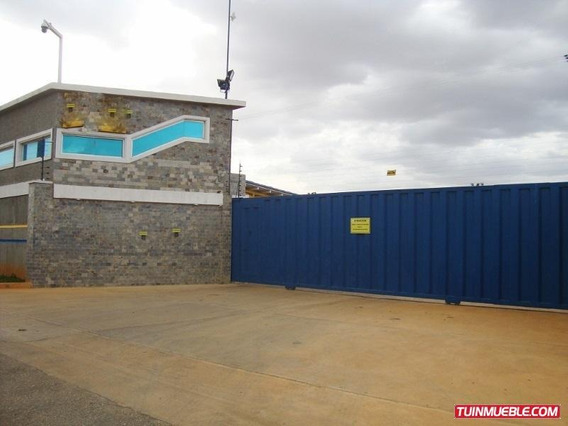 Patio Empresarial El Tigrito : Yaritza Perez 04242837784